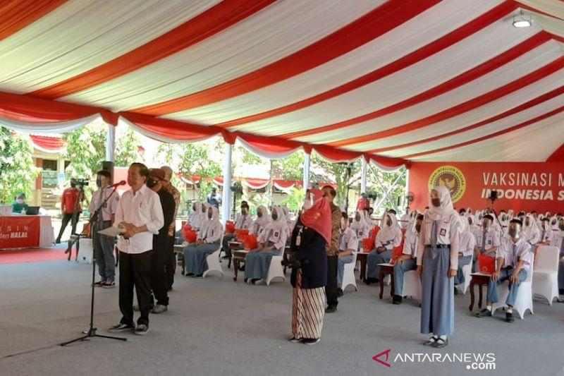 Dipantau Presiden, 3.500 pelajar di Cilacap ikuti vaksinasi massal