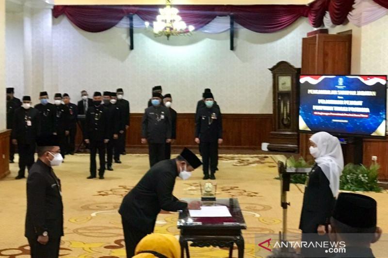Gubernur Jatim lantik lima pejabat pimpinan tinggi pratama di Grahadi