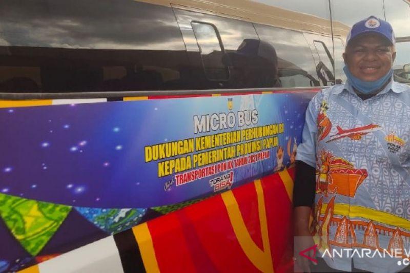 PON Papua-Naomi Demotekay satu-satunya supir perempuan minibus PON XX
