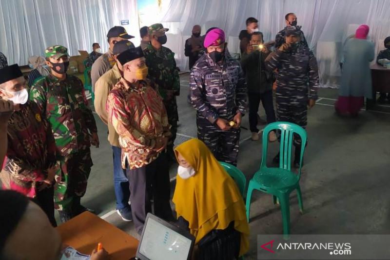 Lantamal III gelar vaksinasi di Cianjur untuk  4.000 warga