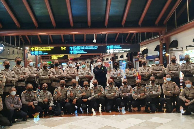 Polri berangkatkan 100 resimen vaksinator ke PON XX Papua