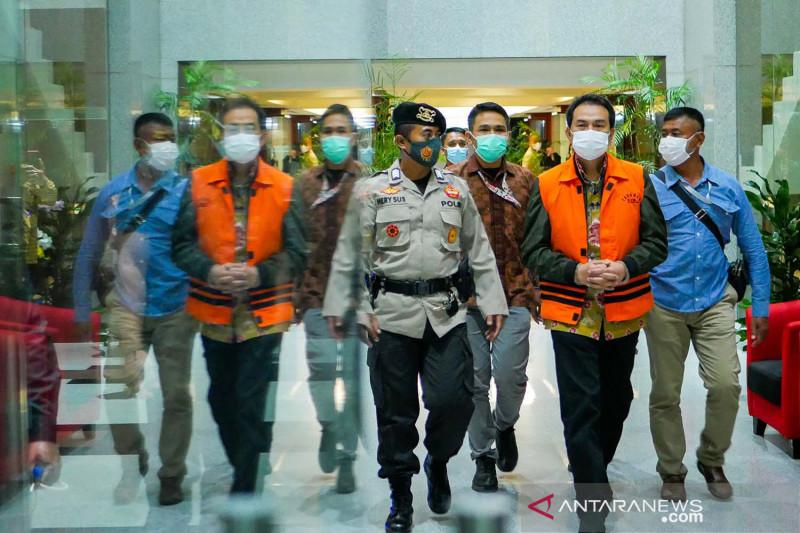 Wakil Ketua DPR Azis Syamsuddin ditahan KPK