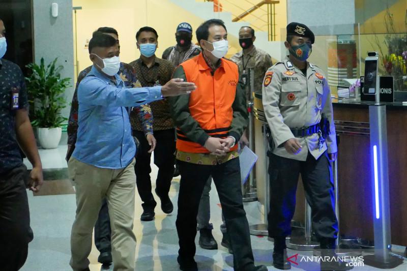 Kemarin, KPK jemput Azis hingga penjual kulit Harimau ditangkap
