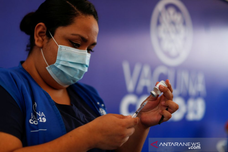 El Salvador siap suntikkan vaksin booster COVID-19