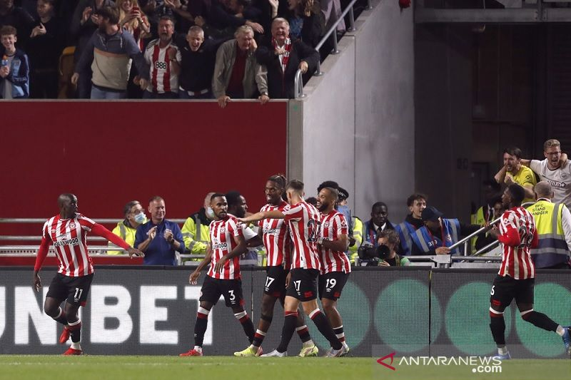 Liverpool dipaksa berbagi poin dengan Brentford setelah drama enam gol