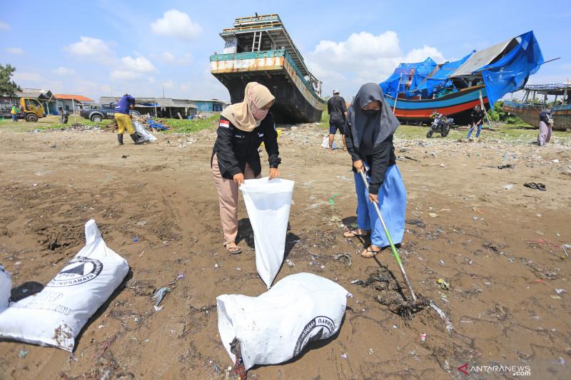 Aksi bersih pantai