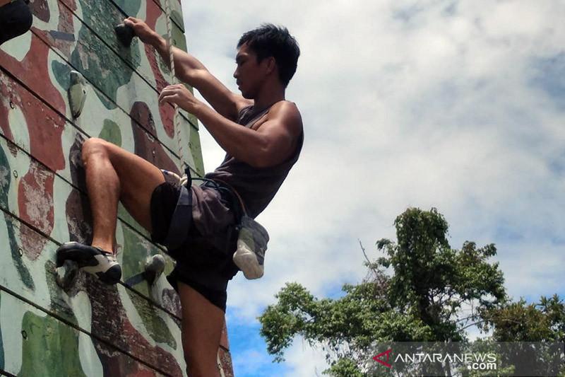 Angga Cahya mulai 'panas' jelang kompetisi Panjat Tebing PON XX Papua