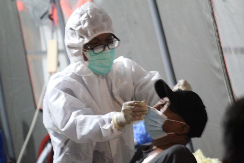 Kasus COVID-19 bertambah 2.057 orang dengan 3.551 pasien sembuh