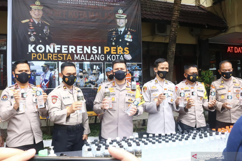 Polresta Malang Kota gagalkan peredaran ribuan botol miras ilegal