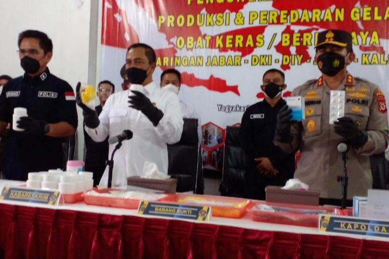 Kabareskrim: Pabrik obat keras ilegal di DIY beromzet Rp2 miliar/hari