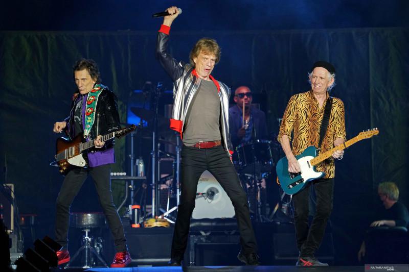 Rolling Stones mulai tur keliling AS sebulan setelah kematian Charlie Watts