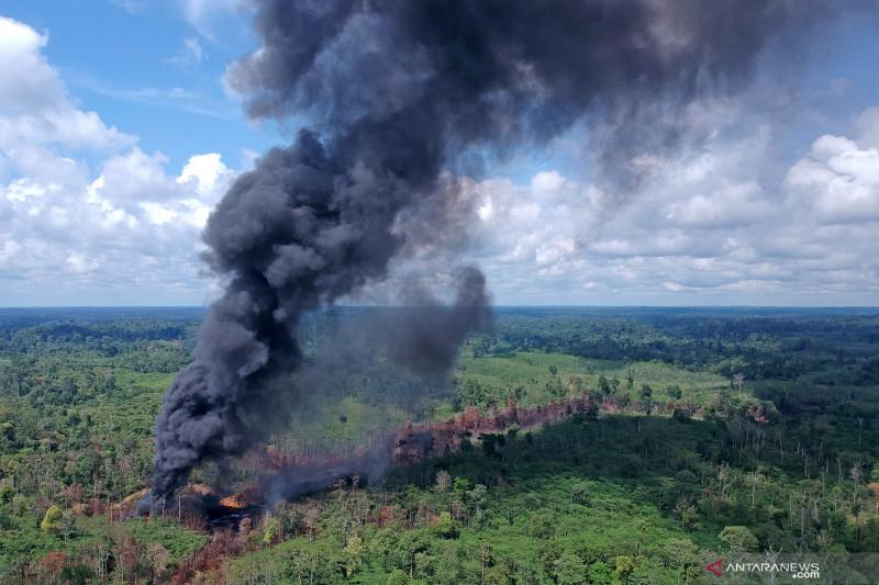 Kebakaran sumur minyak ilegal hari kesepuluh