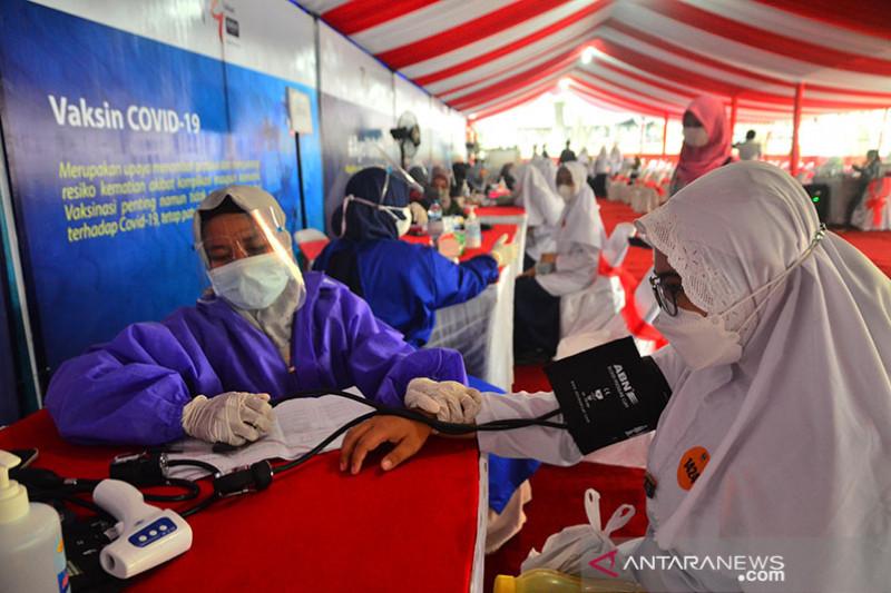 Penerima dosis kedua vaksin COVID-19 capai 49,6 juta orang