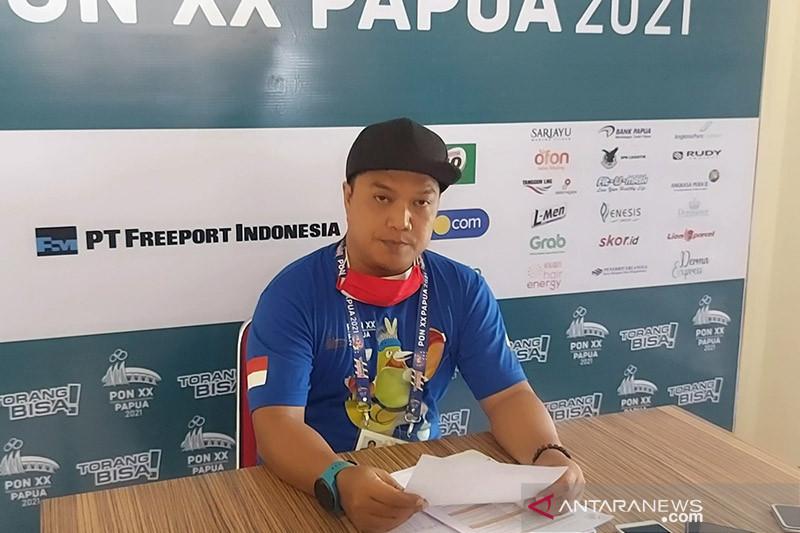 Juara dunia berebut emas panjat tebing nomor Speed WR Putra di PON XX