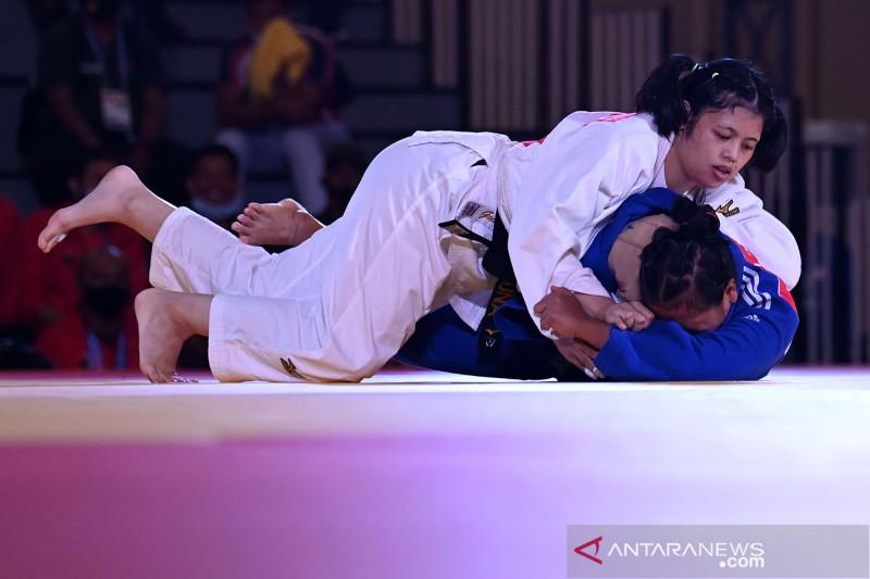 pon-papua-judoka-i-gusti-ayu-guna-kakihara-sumbang-emas-untuk-bali