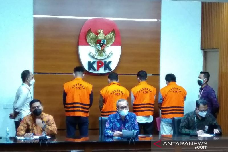 KPK umumkan 10 Anggota DPRD Muara Enim sebagai tersangka