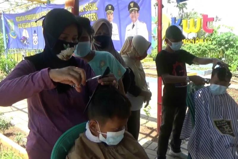 Ciptakan kemandirian ekonomi, Dinsos Kota Tangerang berikan pelatihan usaha
