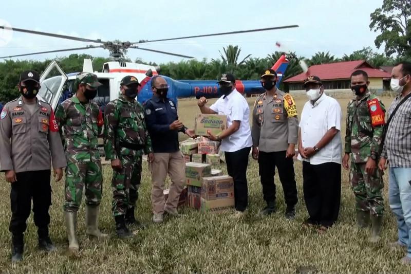 Polda Kalteng salurkan bantuan banjir Katingan lewat udara