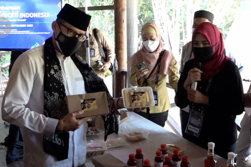 Sandiaga apresiasi pelaku usaha ekraf kuliner di Jakut