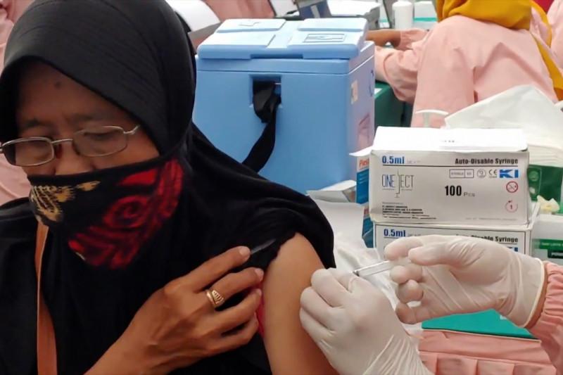 Batang genjot vaksinasi 600 ribu warga