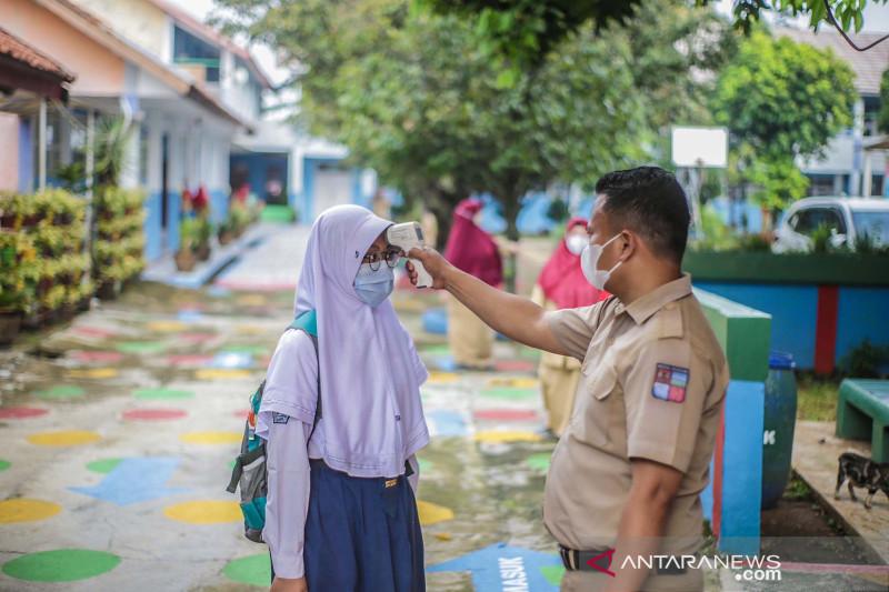 Disdik Kota Bogor loloskan 200 sekolah ikut uji coba PTM thumbnail