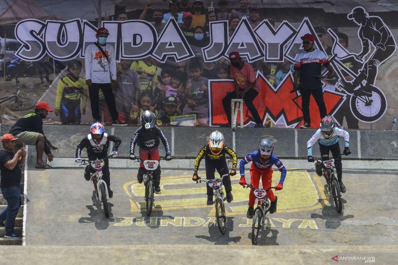 Atlet junior Indonesia menunjukkan progres di Piala Dunia BMX 2021 thumbnail