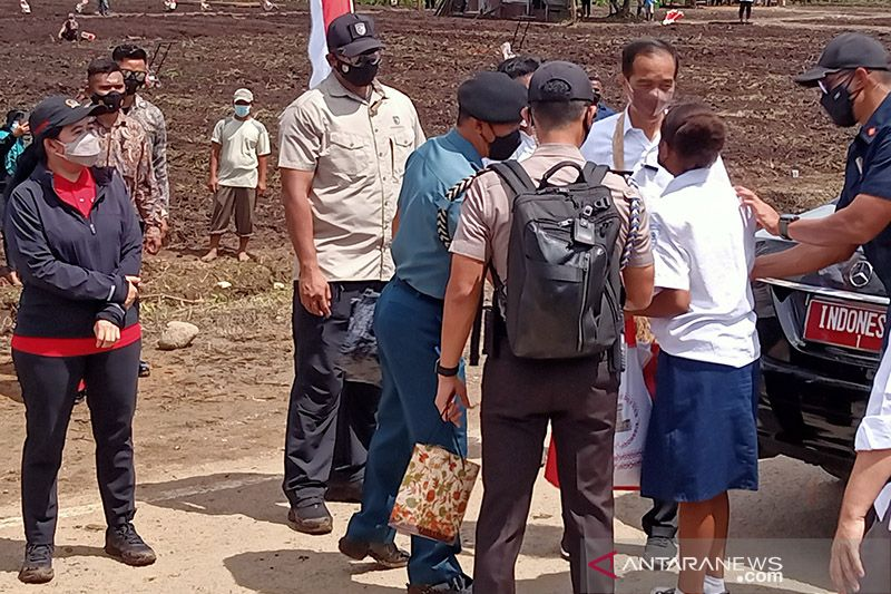 Billy Mambrasar sebut Presiden Jokowi ingin anak Papua maju