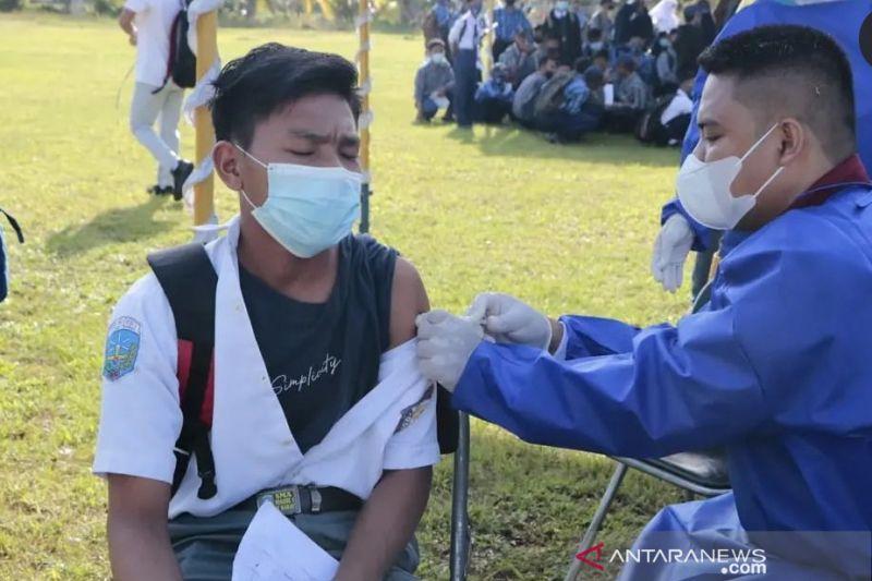 Kemenhub dan TNI AL gelar vaksinasi pelajar di Pelabuhan Patimban thumbnail