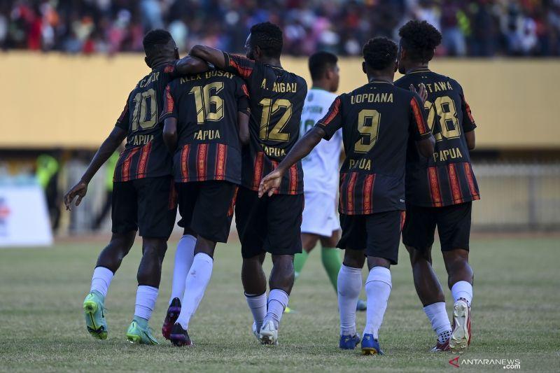 Semifinal sepak bola PON Papua: Papua terproduktif, Kaltim terefektif thumbnail