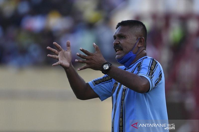 Pelatih sepak bola putra Papua ingatkan pemain agar tetap rendah hati thumbnail