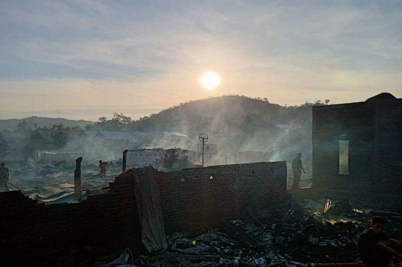 Sebanyak 63 rumah terbakar di Bima thumbnail