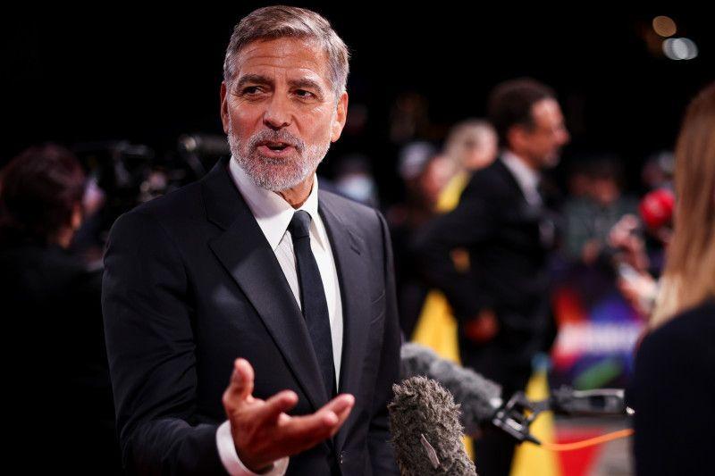 """""""The Tender Bar"""", film baru dari George Clooney thumbnail"""