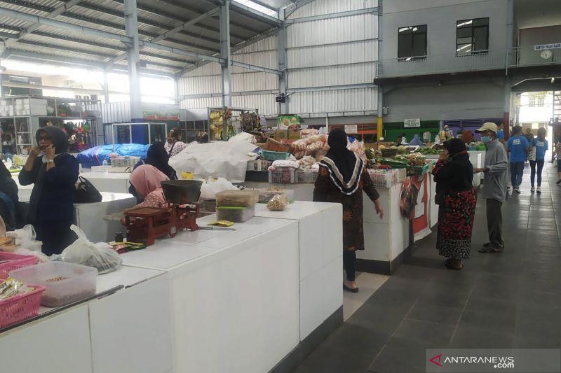 Pemkot Malang bebaskan retribusi pasar untuk pedagang thumbnail