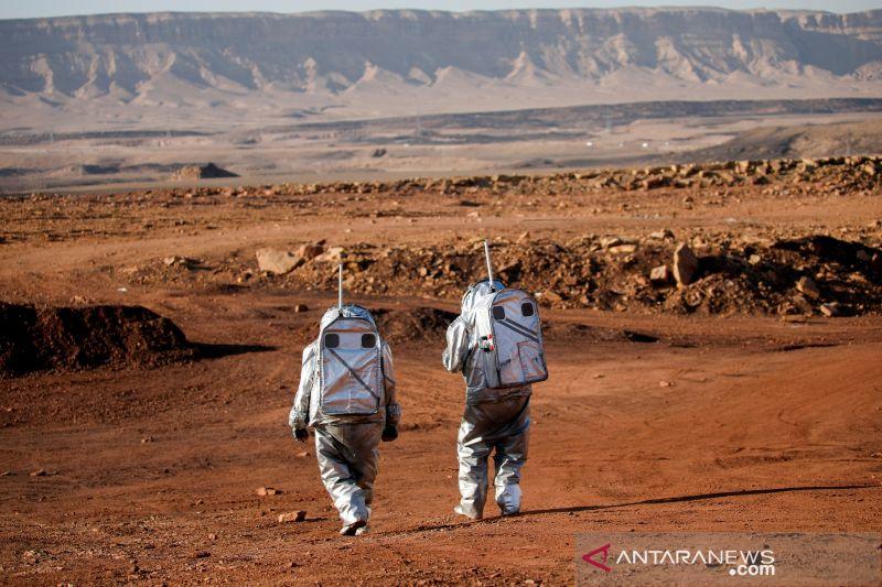 Ilmuwan simulasikan kehidupan di Mars di Kawah Ramon Israel thumbnail