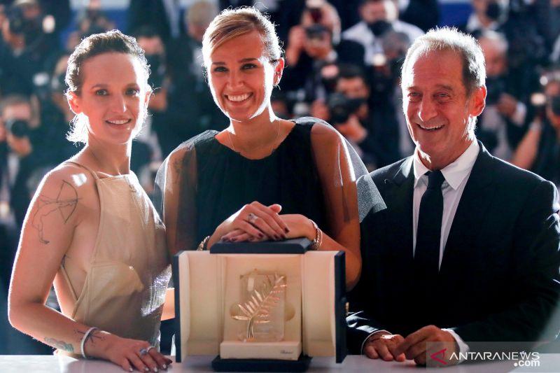 "Film pemenang Cannes, ""Titane"", wakili Prancis di Oscars thumbnail"