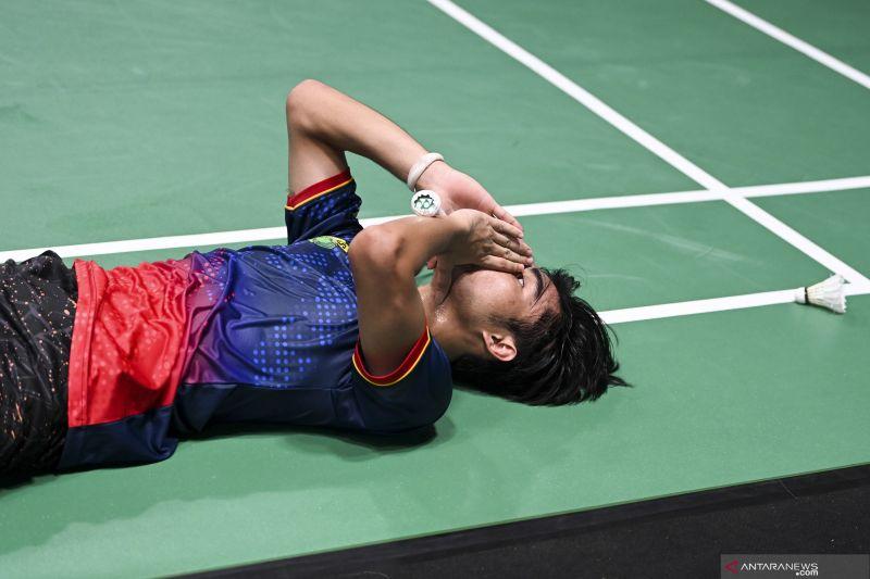 PON papua: Bulutangkis tunggal putra Jawa Barat  raih medali emas thumbnail