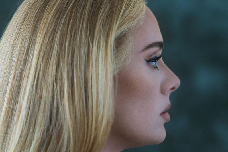 "Album ""30"" Adele rilis 19 November thumbnail"