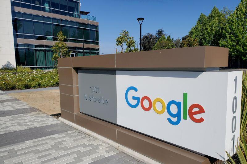 Google Play akan memotong biaya aplikasi sebesar 15 persen thumbnail