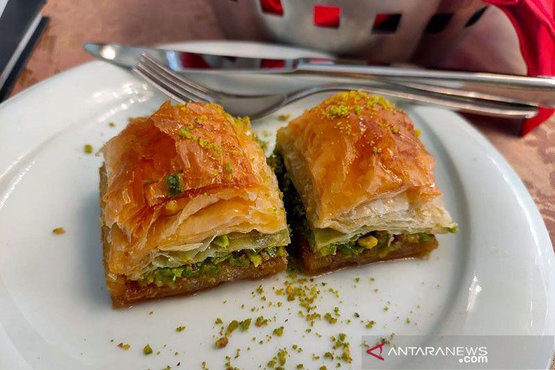 Berburu kuliner hingga kerajinan lokal di Gaziantep, Turki thumbnail