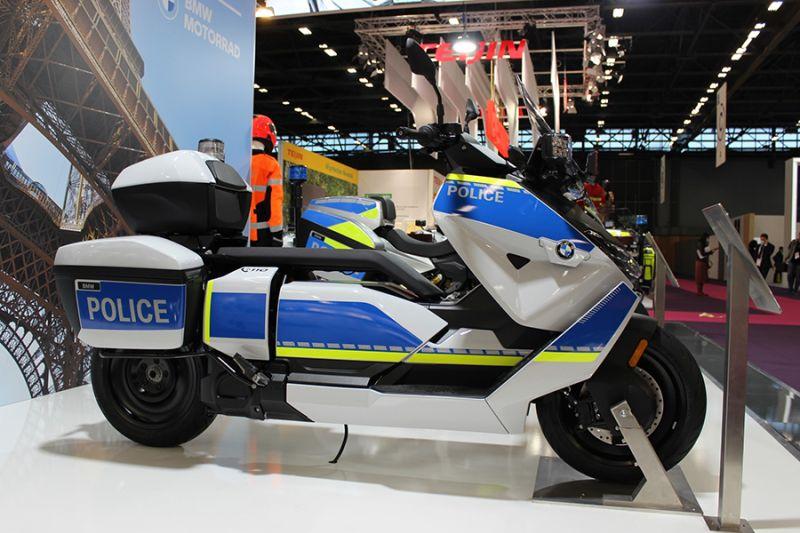 BMW rilis skuter listrik versi polisi thumbnail