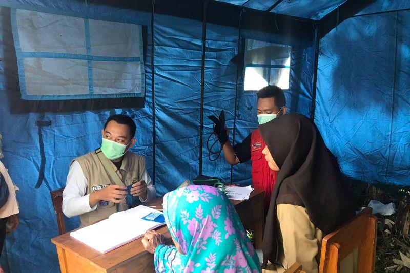 Warga Cigulusur Sukabumi korban likuifaksi pilih mengungsi thumbnail