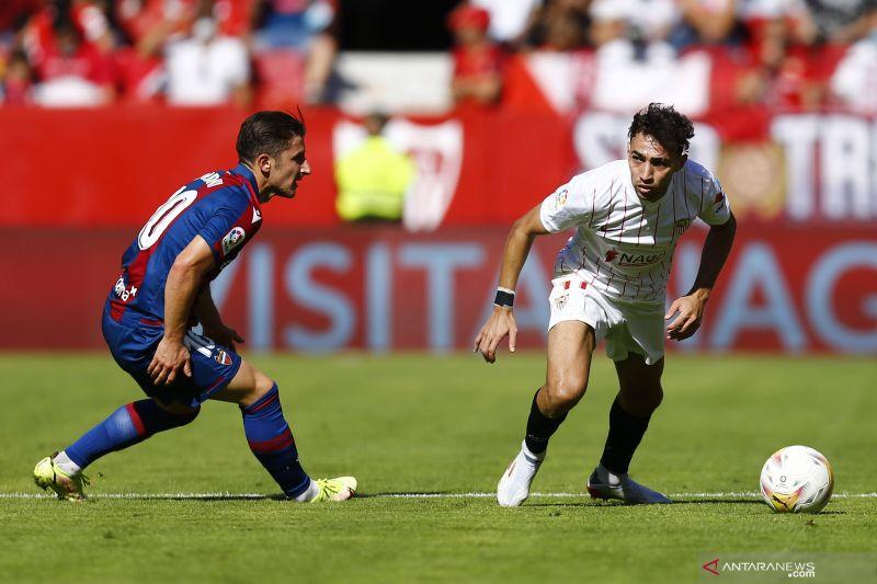 Pesta delapan gol, Sevilla menang 5-3 atas Levante thumbnail