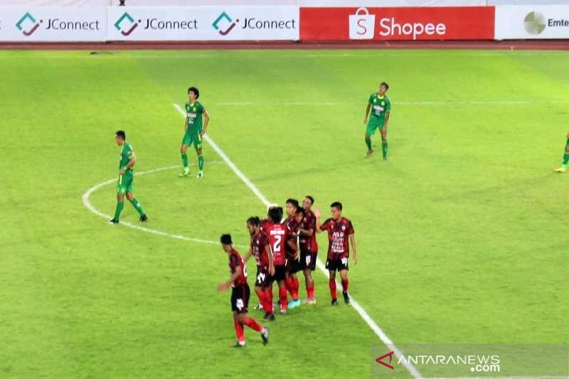 PSG tekuk HW FC 4-1 thumbnail