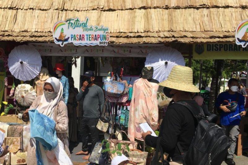 Festival Budaya Pasar Terapung 2021, tonggak bangkitnya wisata Kalsel thumbnail