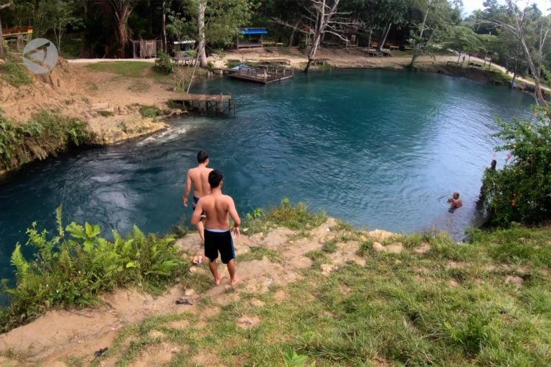 Kali Biru, setetes surga yang jatuh ke Papua thumbnail