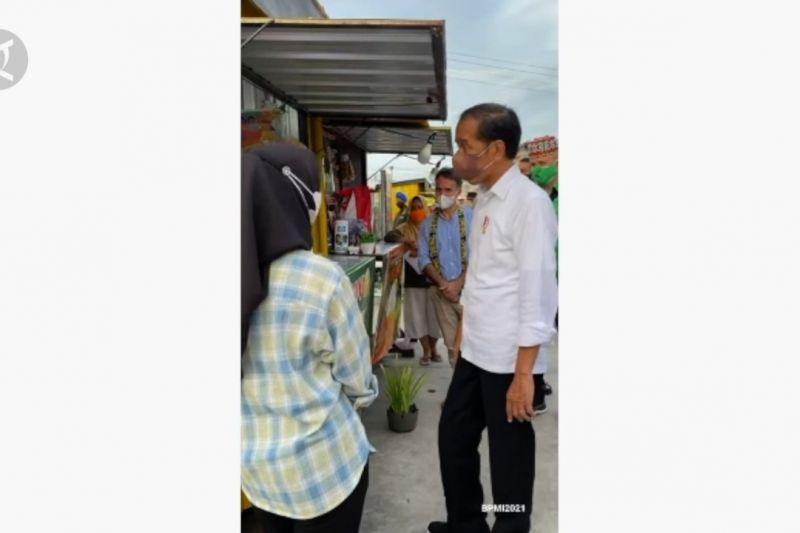 Presiden bagikan modal Rp1,2 juta untuk PKL di Tarakan thumbnail