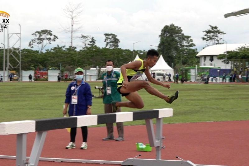 Atjong sumbang medali emas bagi Jatim dari halang rintang putra thumbnail