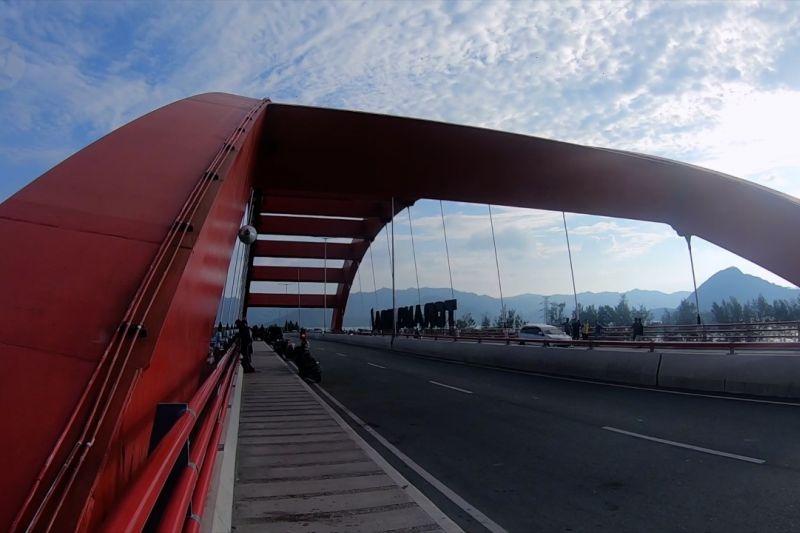 Jembatan Merah, cara lain menikmati Jayapura thumbnail