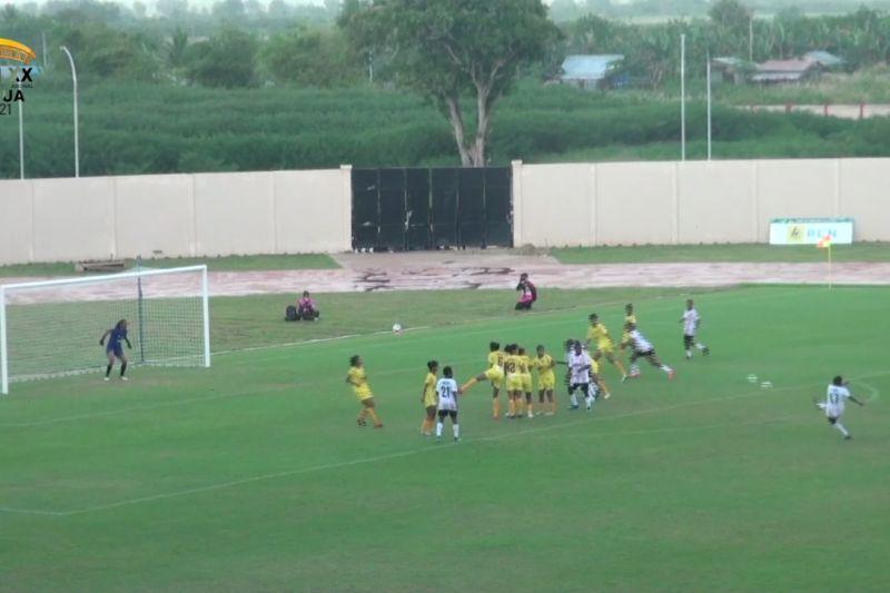 Lumat Babel, Papua melaju ke final bola putri thumbnail