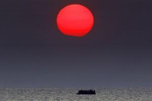 Turki selamatkan puluhan imigran dari bebatuan di Laut Aegea